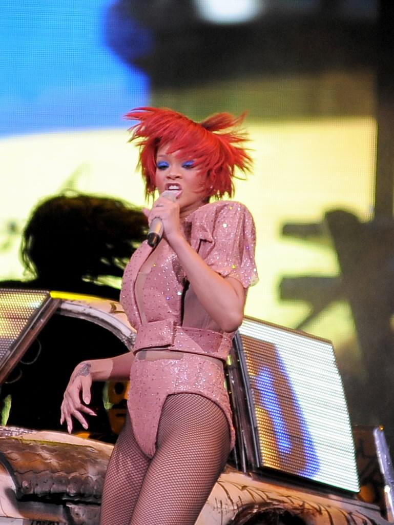 Rihanna-20755578