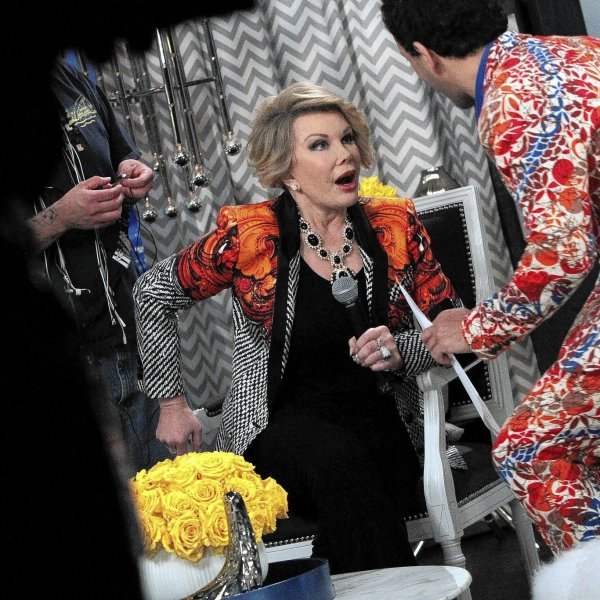 """Joan Rivers taping """"Fashion Police"""" in July 2014"""