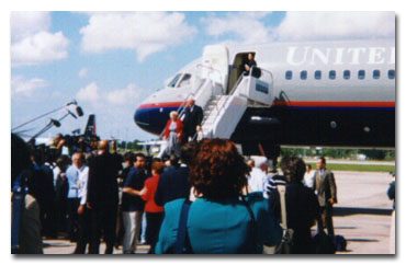 Governor and Mrs. Ryan arrive in Cuba