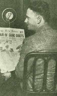 """Every night at 10:00, """"Uncle Quin"""" would read news, comics and ads from the next day's Chicago Tribune."""