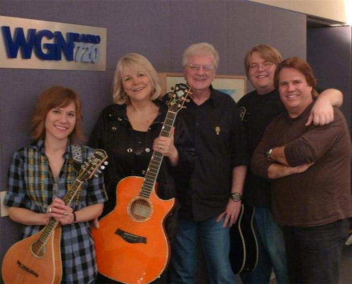 Steve and Johnnie welcomed back their old friends Haley, Caleb and Doyle Dykes in studio