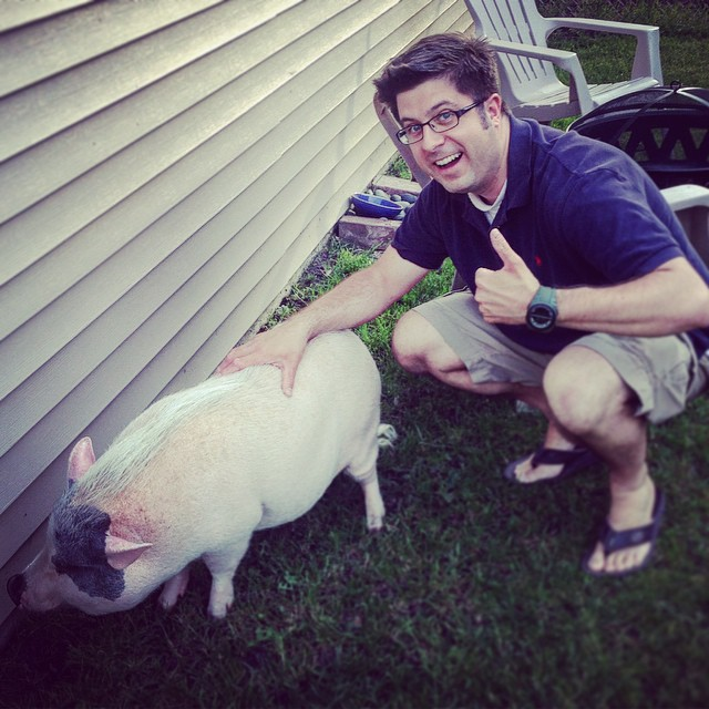 Linus the Pig gets the thumbs-up from OTL host Mike Stephen.
