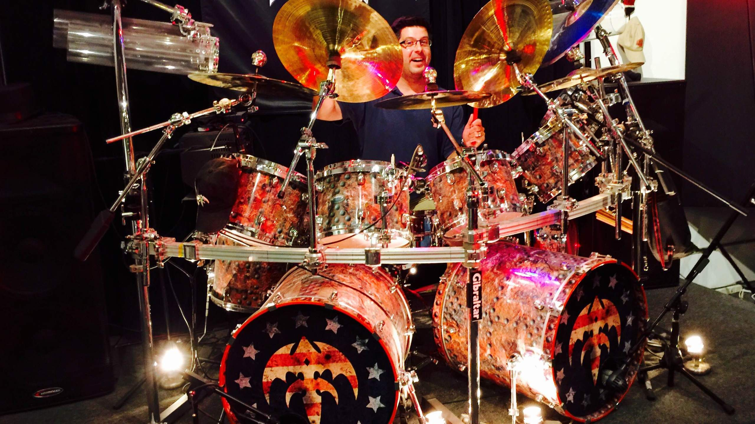 OTL host Mike Stephen realizes his life-long dream of playing an actual Queensrÿche drum set at Fort Knox Studios on the northwest side of Chicago.