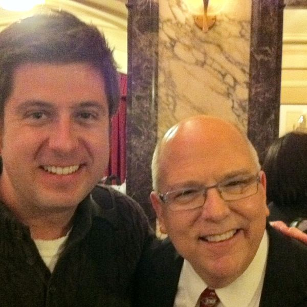 OTL host Mike Stephen meets WGN-TV meteorologist Tom Skilling at the Chicago Theatre in 2010.