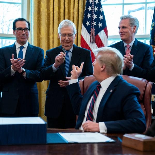 Donald Trump, Mitch McConnell, Larry Kudlow, Steven Mnuchin, Kevin McCarthy, Mike Pence