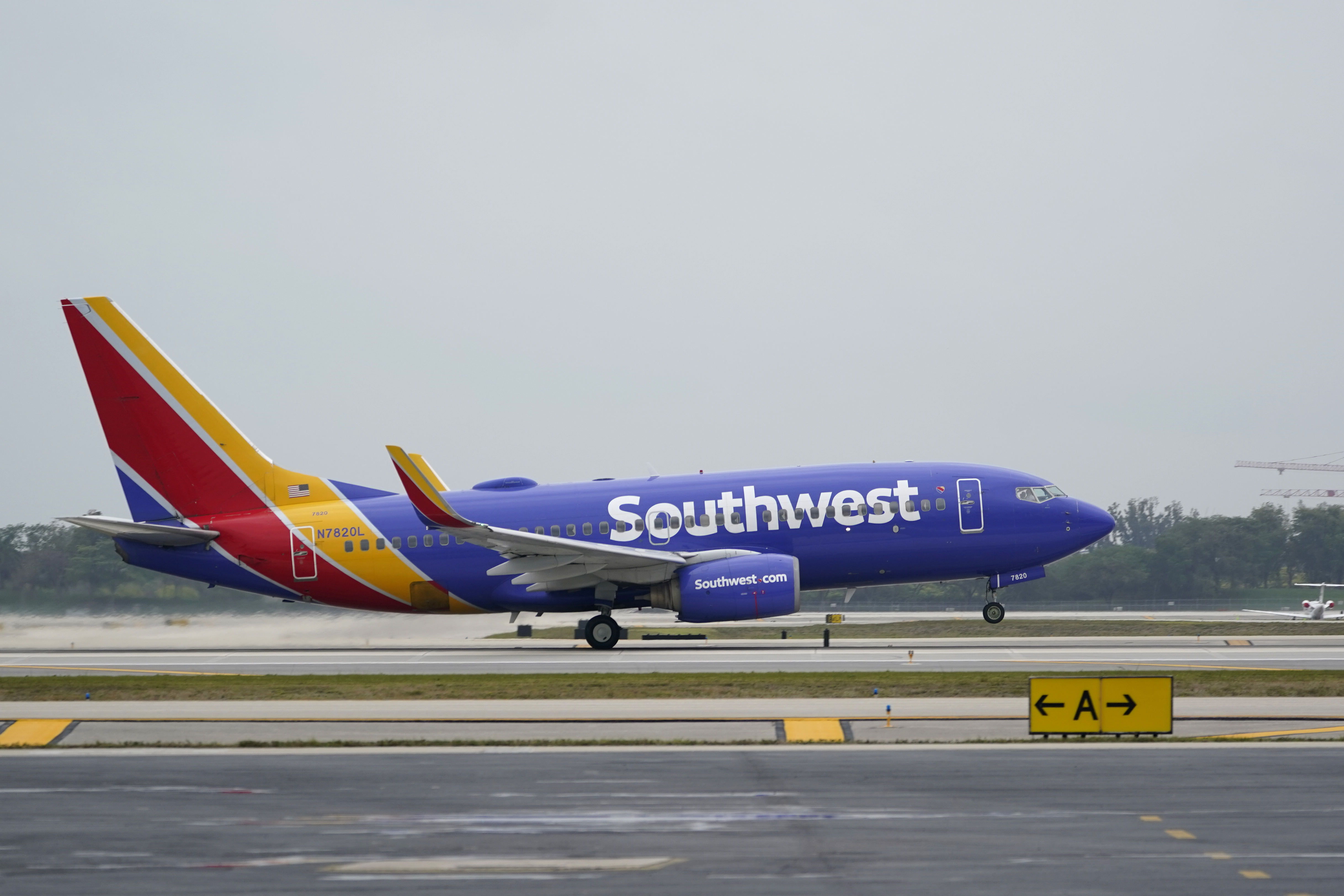2021 Christmas Prices For Southwest Airlines Us Airline Bailout Helps Southwest Post 116 Million Profit Wgn Radio 720 Chicago S Very Own